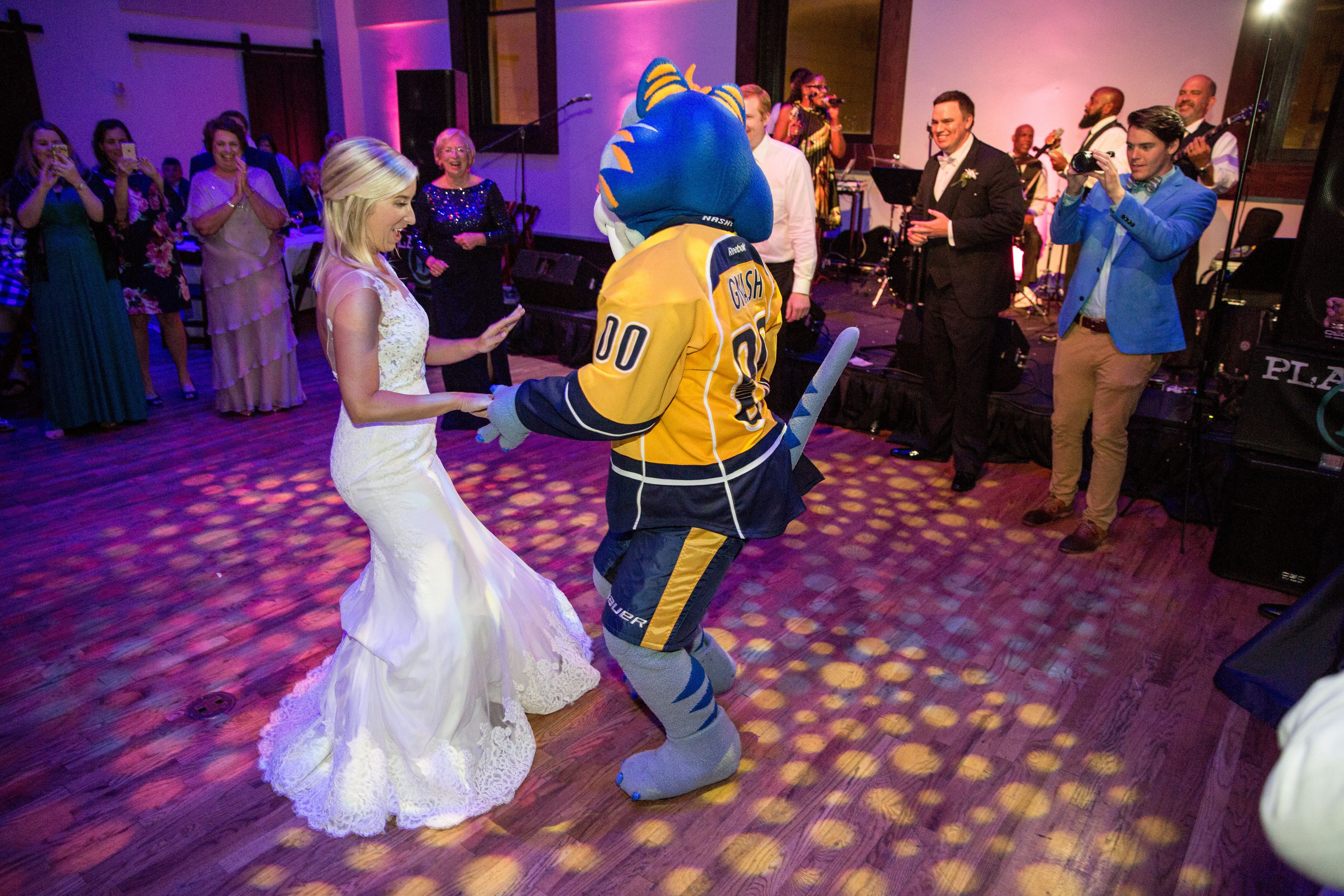 Kelly dancing with Gnash