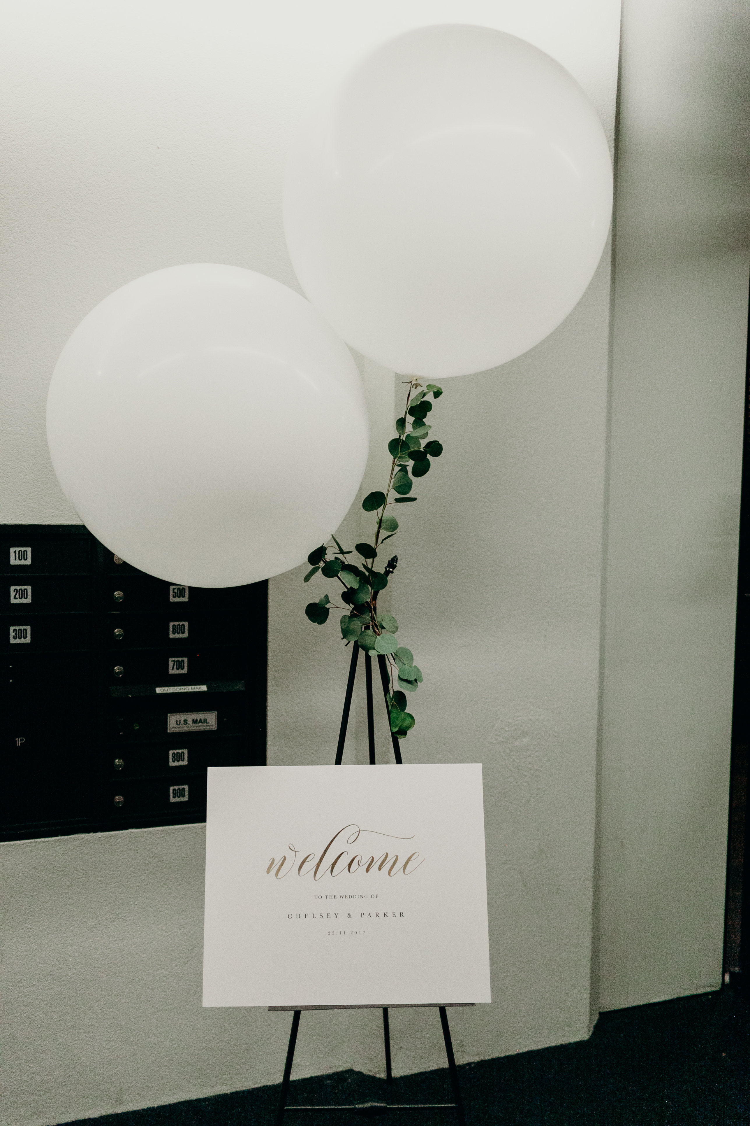 Chelsey and Parker's welcome balloons